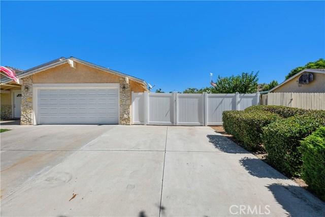 6445 Foster Drive, Riverside CA: http://media.crmls.org/medias/cb386f04-c82d-4219-8440-52474f55e515.jpg