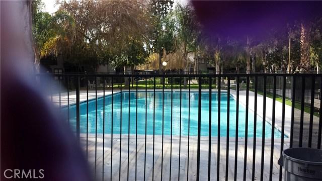 1151 S Chestnut Avenue, Fresno CA: http://media.crmls.org/medias/cb51f567-a8ad-411e-932e-de909b42e421.jpg