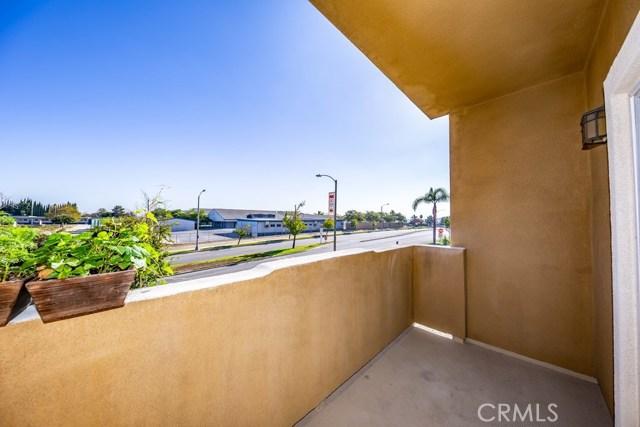 2818 Green River Road, Corona CA: http://media.crmls.org/medias/cb5396a2-d717-4ca9-9b54-b9d61bbc390a.jpg