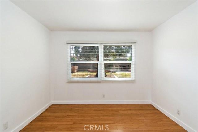 23100 Strathern Street, West Hills CA: http://media.crmls.org/medias/cb550275-c9d9-4858-a944-cd79d745efae.jpg