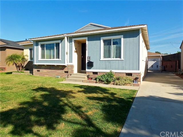 Single Family Home for Sale at 2535 Bomberry Street Lakewood, California 90712 United States