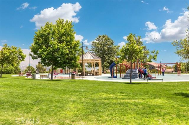 1598 Prestwick Drive, Riverside CA: http://media.crmls.org/medias/cb5d3873-3770-44f6-87d6-12ec2d2c532d.jpg