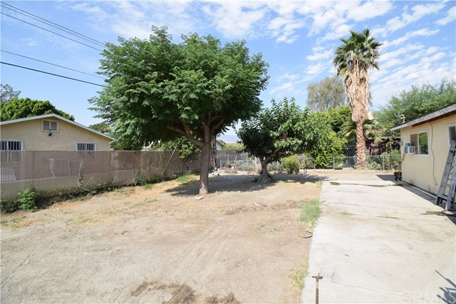 83155 Alvarado Avenue, Thermal CA: http://media.crmls.org/medias/cb660456-faae-4218-8ef0-1e22f6f1a0d8.jpg