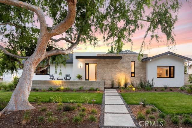 Photo of 235 Lillian Place, Costa Mesa, CA 92627