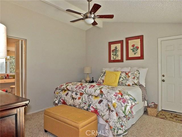 12661 Martha Ann Drive, Rossmoor CA: http://media.crmls.org/medias/cb73525a-1012-42ff-b4fd-fda194c2be94.jpg