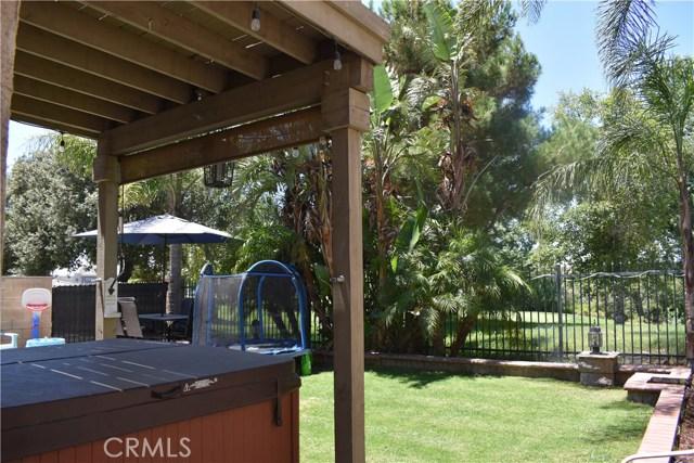 6272 Beth Page Drive, Fontana CA: http://media.crmls.org/medias/cb77a846-5711-4120-9a91-587ecdc329db.jpg