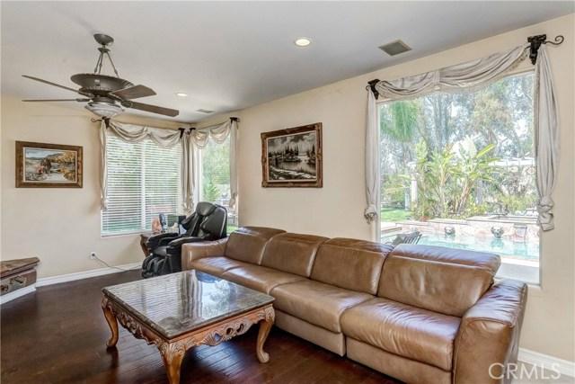 685 Noble Rd., Simi Valley CA: http://media.crmls.org/medias/cb7d5543-ad0c-465a-a351-1df99f0605c6.jpg