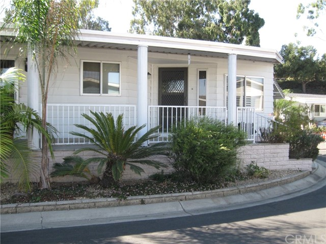 Detail Gallery Image 1 of 1 For 18601 Newland St #124,  Huntington Beach,  CA 92646 - 2 Beds | 2 Baths