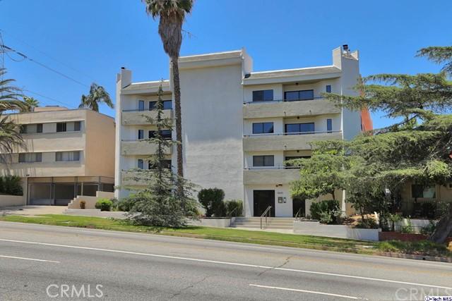 3663 Los Feliz Boulevard, Los Angeles CA: http://media.crmls.org/medias/cb9c2183-38ba-493c-92b0-6cd13fe3c901.jpg