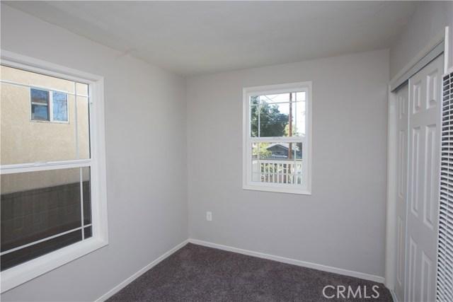 10244 Whitegate Avenue, Sunland CA: http://media.crmls.org/medias/cbabf663-ac96-4027-9b07-7588626b244c.jpg