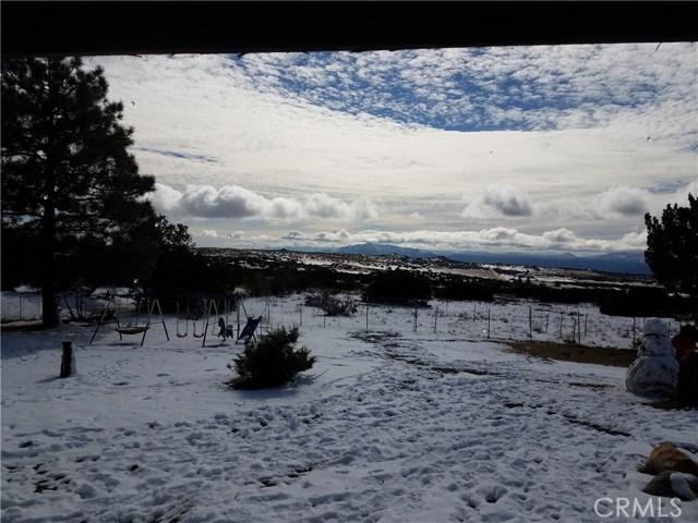38240 Montezuma Valley Road, Ranchita CA: http://media.crmls.org/medias/cbc4e478-7f95-4837-bd62-f1cdd35d3825.jpg