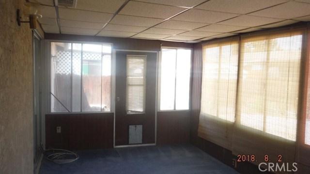 586 Sabado Court, Hemet CA: http://media.crmls.org/medias/cbc70c25-ec59-454c-8be5-2c6719c6f665.jpg