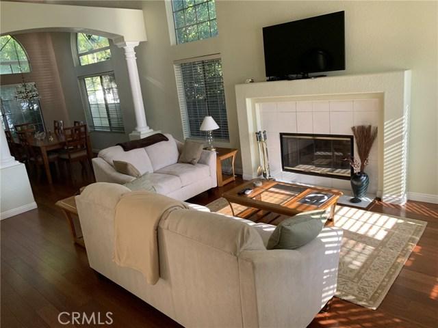 6225 Sunnyhills Place, Rancho Cucamonga CA: http://media.crmls.org/medias/cbd3f559-d5c2-4fd6-8b95-0b75a107030b.jpg
