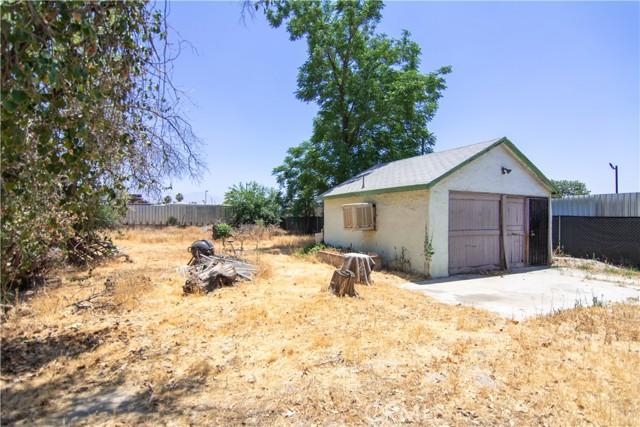 845 Preston Street, San Bernardino CA: http://media.crmls.org/medias/cbe0729b-2d69-4127-beac-41c0282eea10.jpg