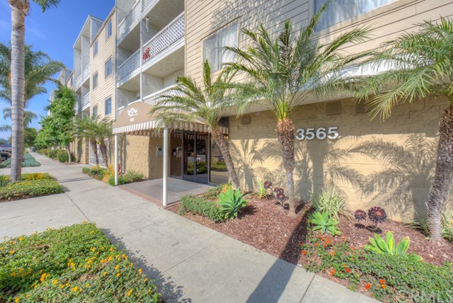 3565 Linden Avenue, Long Beach CA: http://media.crmls.org/medias/cbf33186-160e-4e87-bf10-938fa89d7df7.jpg