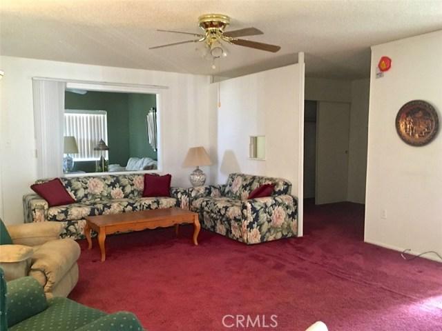 2775 Chapton Lane, Landers CA: http://media.crmls.org/medias/cbf67682-9431-4c7e-b31c-6f44a886ae57.jpg