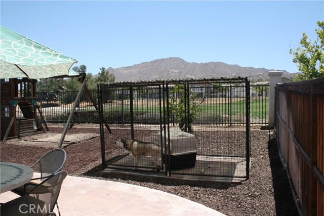 15210 Legendary Drive, Moreno Valley CA: http://media.crmls.org/medias/cbffabfe-5ec6-4639-8649-7b2ef460f0a9.jpg