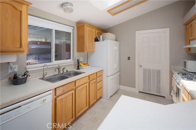 614 Rancho Oaks Drive, San Luis Obispo CA: http://media.crmls.org/medias/cc0b7a7f-c35d-4593-be7d-2738cc189e14.jpg