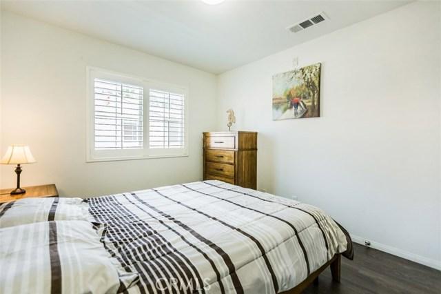132 Hedge Bloom, Irvine CA: http://media.crmls.org/medias/cc265f43-fc76-4858-87f4-908f18b14600.jpg