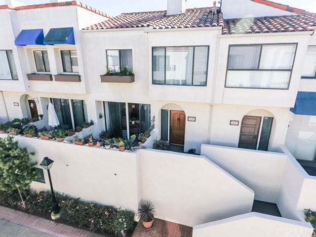 3235 Anne Circle 99 Huntington Beach, CA 92649 is listed for sale as MLS Listing CV17044501