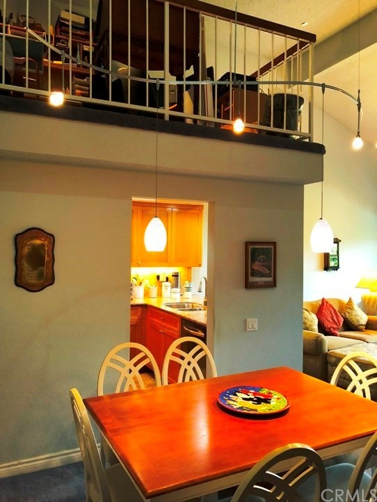 4314 Apricot Drive, Irvine CA: http://media.crmls.org/medias/cc2f5700-03cd-4915-a6f5-67953a7f2c53.jpg