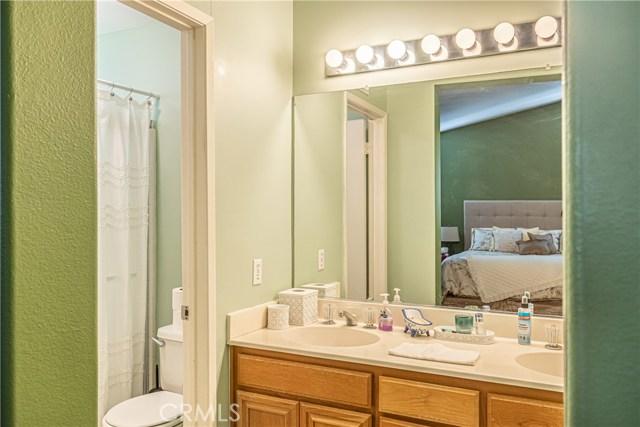 1863 W Avenue H8, Lancaster CA: http://media.crmls.org/medias/cc347f77-f613-4116-aac3-12067b5695ae.jpg