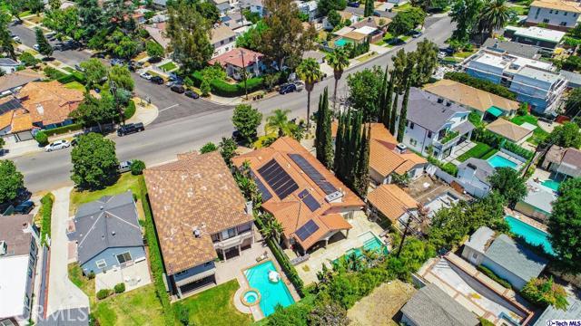 18038 Valley Vista Boulevard, Encino CA: http://media.crmls.org/medias/cc3968d2-6212-4313-a34a-1a899b413c75.jpg