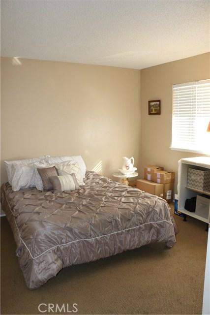 34424 Cedar Avenue, Yucaipa CA: http://media.crmls.org/medias/cc48ca80-0953-4bed-9774-fc540ef30575.jpg