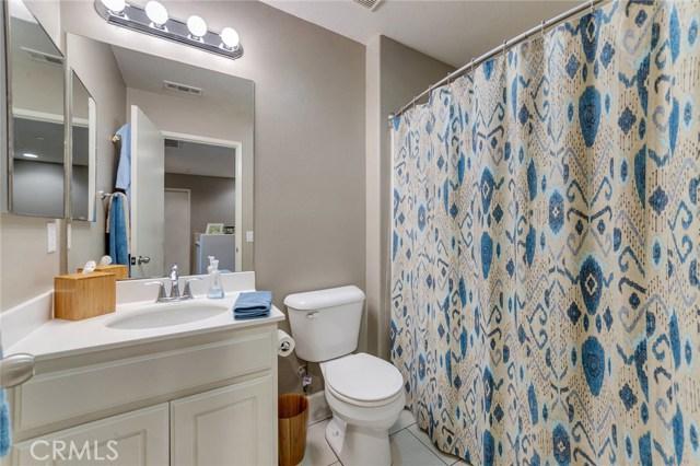 14975 S Highland Avenue, Fontana CA: http://media.crmls.org/medias/cc48d604-7da0-45a3-8843-5e41c0859399.jpg