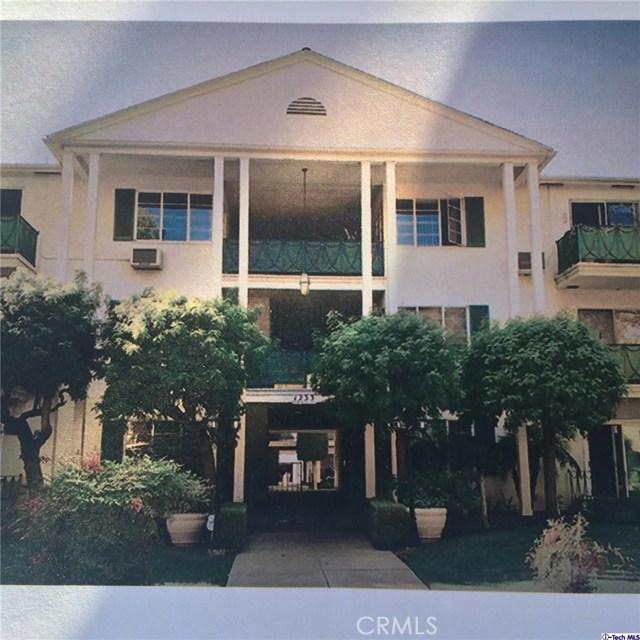 Condominium for Sale at 1231 Columbus Avenue N Glendale, California 91202 United States
