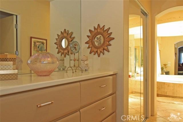 104 Loch Lomond Road, Rancho Mirage CA: http://media.crmls.org/medias/cc512647-5bca-473d-8708-65a7fe6541c0.jpg