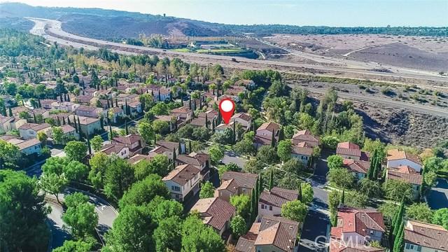 40 Gardenpath, Irvine CA: http://media.crmls.org/medias/cc557c6d-a0da-4aeb-b539-96b80e1aa318.jpg