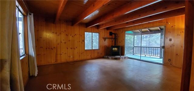 413 Redwood Lane Crestline CA 92325