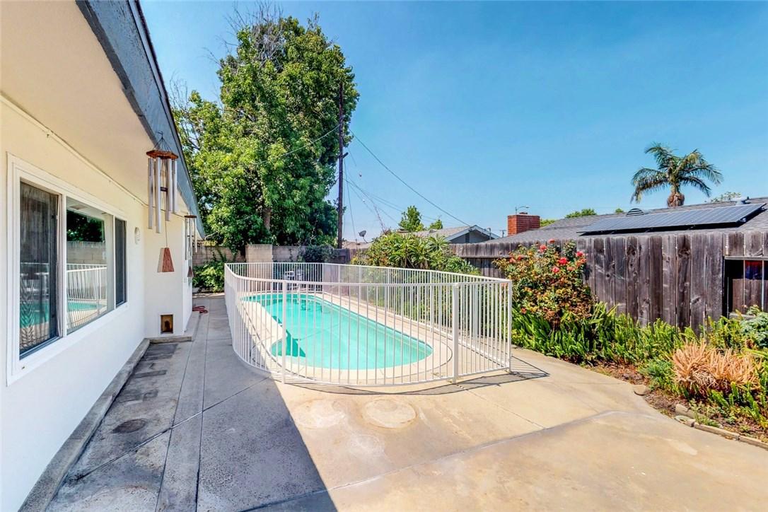 1530 E Young Circle Orange, CA 92866 - MLS #: OC18164242