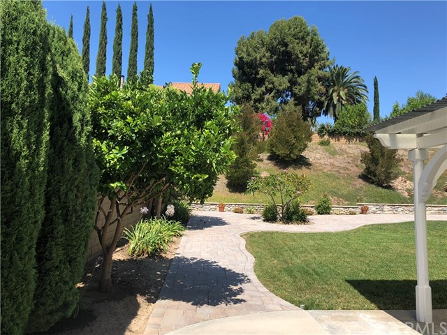 12905 Ocaso Avenue, La Mirada CA: http://media.crmls.org/medias/cc5b22a9-3216-4074-ac6a-b0f331b078c8.jpg