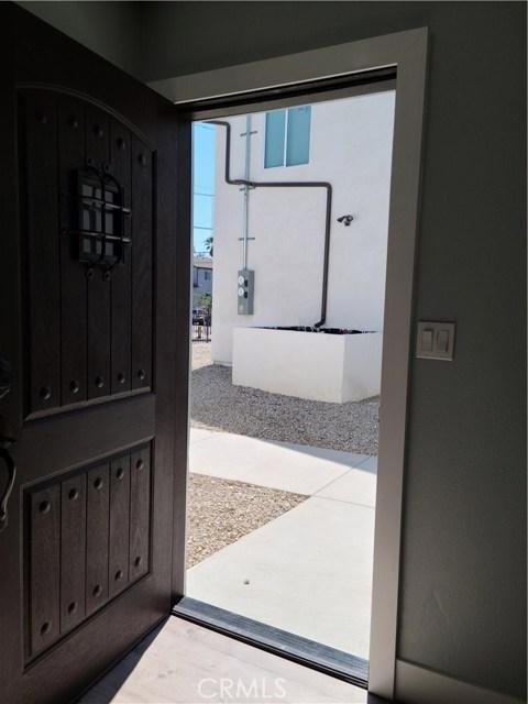 1635 E 33rd Street, Los Angeles CA: http://media.crmls.org/medias/cc6217f3-ef78-4665-988e-b11aecc73666.jpg
