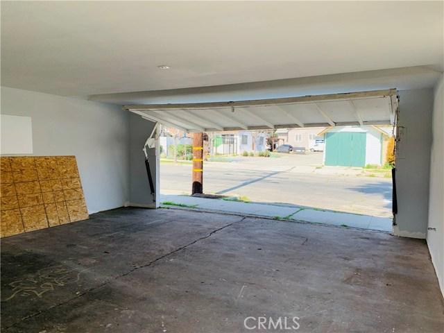 144 N Olive Avenue, Rialto CA: http://media.crmls.org/medias/cc729464-c52a-4ab5-b9cc-b41c98569209.jpg