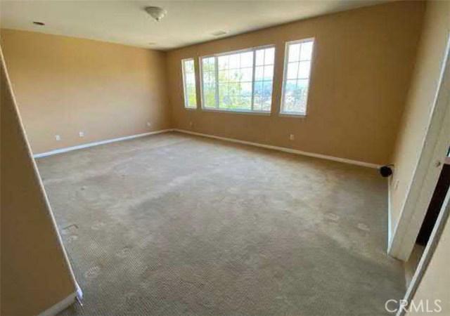 11339 Verdi Lane, Northridge CA: http://media.crmls.org/medias/cc79c09e-b631-4dfc-8840-c38a539e711d.jpg