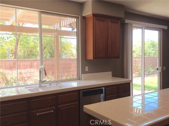 46 Kempton Lane, Ladera Ranch CA: http://media.crmls.org/medias/cc7a8489-14f4-4c30-a98d-5e3efea6f0dc.jpg