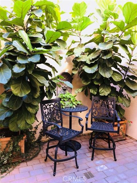 81 Fairymoss, Irvine CA: http://media.crmls.org/medias/cc8cb0c4-e121-4a31-828e-88ed15b41192.jpg