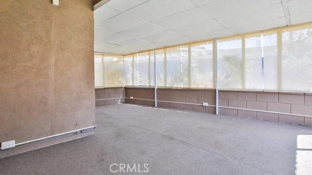 8944 Haskell Street, Riverside CA: http://media.crmls.org/medias/cc9bd5fe-8207-4e5f-922c-a053e67a2f3a.jpg