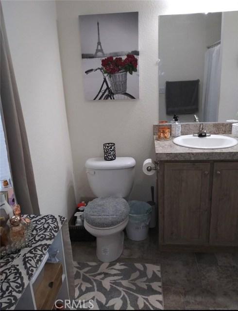1155 S Riverside Avenue, Rialto CA: http://media.crmls.org/medias/cca05056-085b-47e5-b91a-7280367c2620.jpg