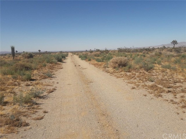 0 Bear Valley Road Victorville, CA 0 - MLS #: IV17191824