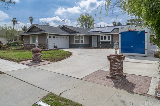 2930 Westridge Road, Riverside CA: http://media.crmls.org/medias/ccb0a797-8cd6-4e4b-b252-8b7e9db079b2.jpg