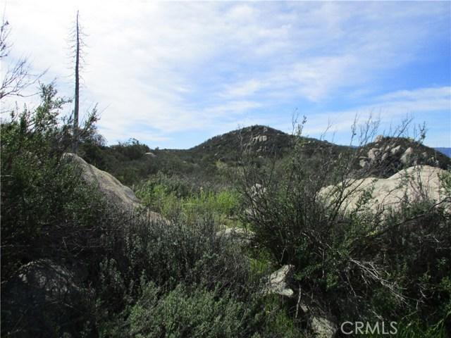 991 Crazy Horse Canyon Road, Aguanga CA: http://media.crmls.org/medias/ccb43095-142a-41bc-a9c9-8673908c2ea5.jpg