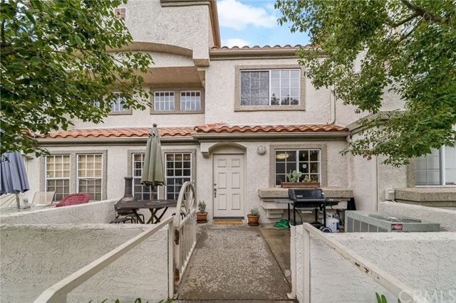 Detail Gallery Image 1 of 1 For 9880 Arrow #2,  Rancho Cucamonga,  CA 91730 - 3 Beds | 2/1 Baths
