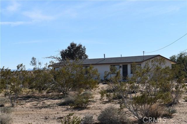56855 Reche Road, Landers CA: http://media.crmls.org/medias/ccc2deb1-32ab-4f1d-91c3-7571e327eecc.jpg