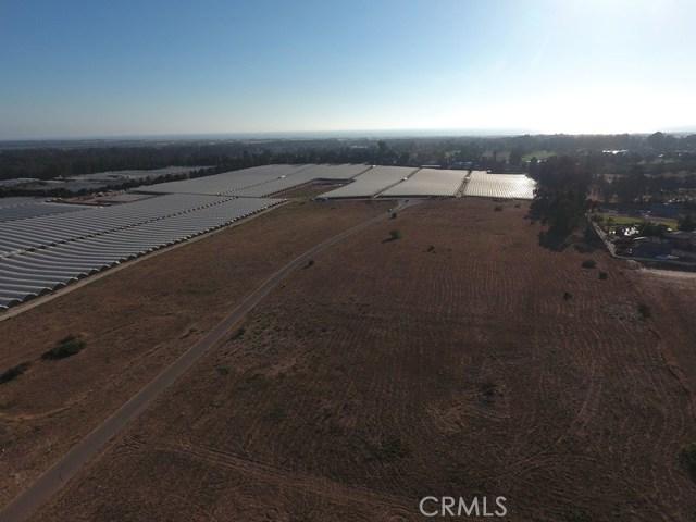 6 Westhampton, Arroyo Grande CA: http://media.crmls.org/medias/ccc8fce0-5b1f-492a-a9d2-e481cb63019d.jpg