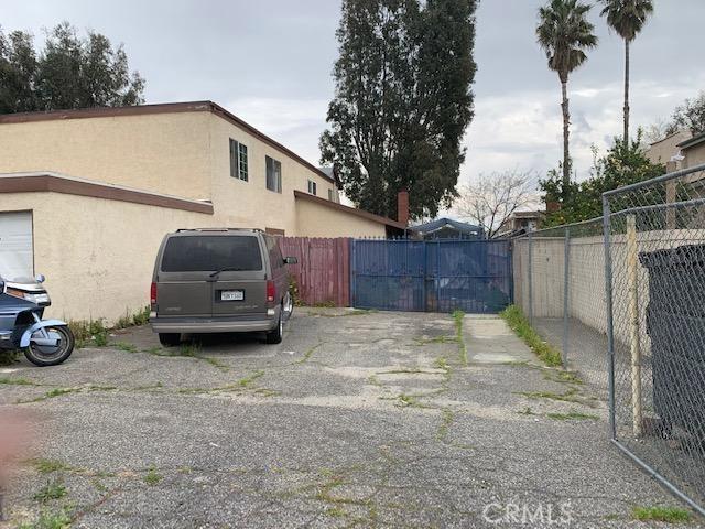 1080 N Clifford Avenue, Rialto CA: http://media.crmls.org/medias/ccddc695-6b9f-43b5-9cd6-e430535dc215.jpg