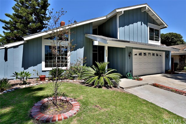 Single Family Home for Sale at 1671 Roanoke St Tustin, California 92780 United States